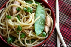 Mommy's Kitchen - Old Fashioned & Southern Style Cooking: Simple Sesame Noodles W/Chicken & Snow Peas