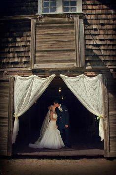Airforce barn wedding, love love love want want want!