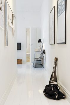 I like the white floor boards