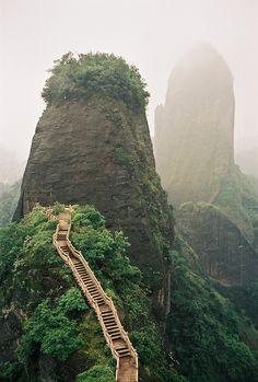 Luotuofeng peak, Sichuan | China