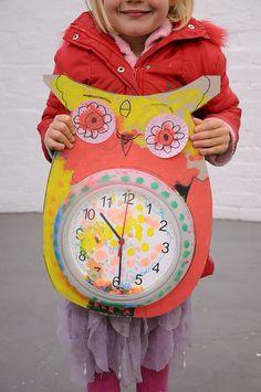 DIY Paper Plate Owl Clock