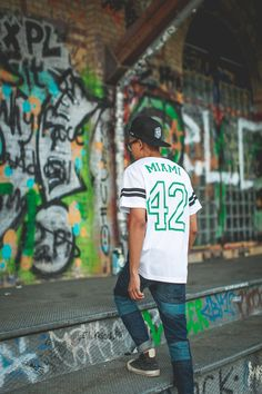 Whats the Score? Who Cares @Closet_Freaks looks dope in #hudsonjeans Sartor Skinny in Pipeline