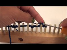 Loom Knitting: Demonstrating Cats Paw Stitch Pattern