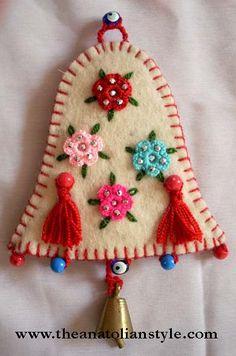 cristmas_decoration_red_felt.jpg 390×589 pixels