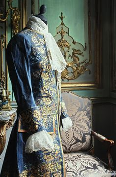 Isabelle de Borchgrave - Amazing dresses made of paper