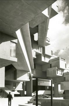 Moshe Safdie Habitat '67 - Modular building