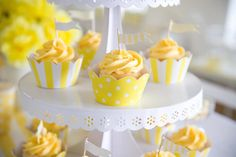 Pretty yellow and white party.