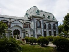 Belcourt Castle, Rhode Island: In the Chapel there is a statue of a monk. Before it was placed in the chapel, it was near the stairs. Those going through the house sometimes report seeing a man dressed as a monk near the stairs. He hasn't been there seen since he was moved to the chapel. In the Gothic Ballroom there is a suit of armor whose owner died when a spear went through the eye slot. He can be heard screaming in and around March, at the time of his death.