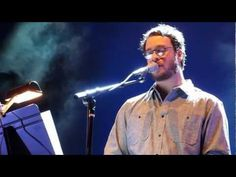 Amos Lee covering GunsNRoses November Rain--AhMazing
