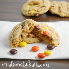 Reese's Peanut Butter Chocolate Chip Cookies with Pudding  #cookie-recipe