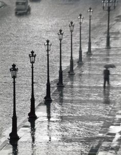 André Kertész, Place Gambetta,Paris,1928-29