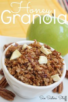 Honey Granola - easy and delicious healthy snack from SixSistersStuff.Com #recipe #healthy #SixSistersStuff