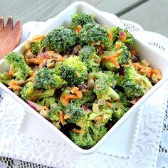 Vegan broccoli salad-