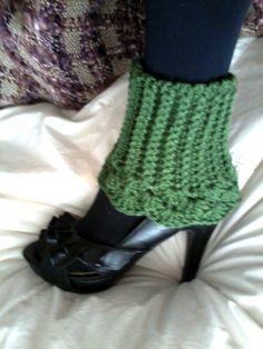 Scalloped Crochet Boot Cuff Angle Warmers by thelittlegreymouse, crochet boot cuffs