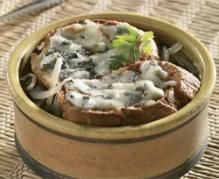 Onion #Soup with #Roquefort #Cheese