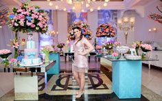 Azul Tiffany e rosa: confira a decoração incrível da festa da Caroline Santini - 15 anos - CAPRICHO