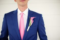 Tailored and colorful- so handsome! |   Photo by Jenelle Kapppe Photography