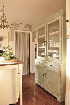 such a pretty kitchen