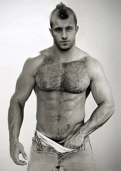 Scott Caan Shirtless...the reason I don't mind watching hawaii 5-O on monday nights with the hubby ;)