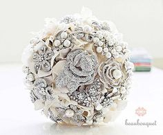 Love this bouquet for a winter or luxe modern wedding