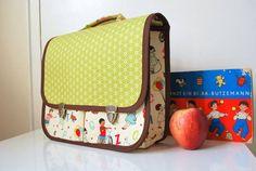 Vintage-inspired, boxy school bag tutorial