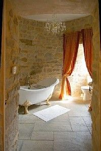 Amazing vacation rental castle in France!    I want to be there.