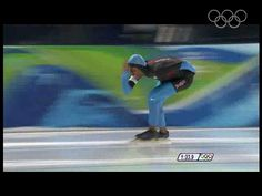 Davis slides to claim silver during the 1500m speed skating