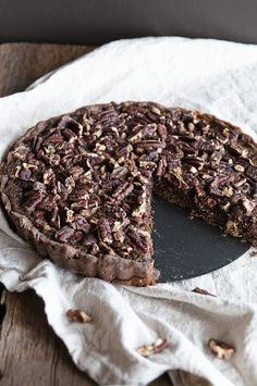 Double Chocolate Pecan Pie from www.dineanddish.net