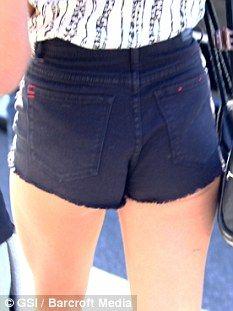 hehehe her butt :D
