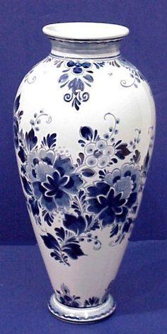 Delft pattern, delft blue