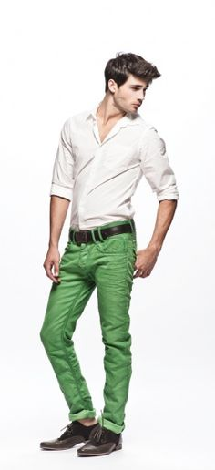 I need to get some green jeans/chinos... in various shades. Just love the colour in outfits! So crisp.