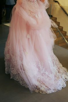 Oscar de la Renta: gorgeous pink tulle train