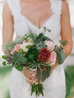 Bridesmaids Bouquet || Wedding Florals || Wedding Planning