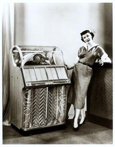 1950s  Wurlitzer juke box