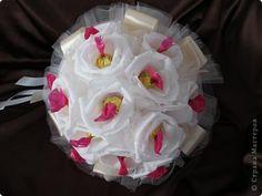 Мастер-класс, Свит-дизайн Бумагопластика: Свадебный букет Бумага гофрированная, Ленты, Продукты пищевые Свадьба. Фото 1