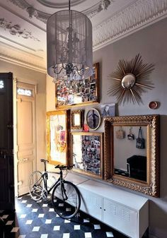 Entree on pinterest hallways entryway and benches for Idee deco cadre photo