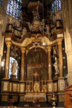 Archi gotiek on pinterest 150 pins - Hoe een lange smalle gang te versieren ...