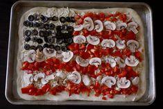 Veggie Flag Pizza - Easy #patriotic idea!