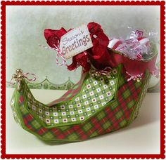 From the SANTA'S HELPFUL ELVES KIT, Cheryl made this beautiful Elf Shoe!