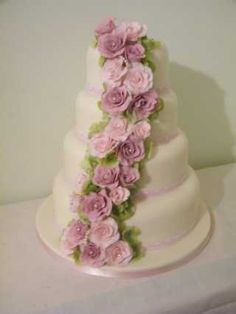 Cakes by Shelly - beautiful design, very elegant