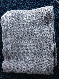 Catesby Three-Hour Cowl, free pattern by Kathryn Jones.  Pic from Ravelry Project Gallery.  *Easy* project, looks great in solid or mixed colors with beautiful stitch definition.  One skein, 2 stitches, 3 hours  :-)   #crochet #scarf