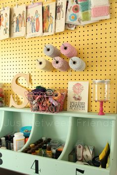 Use a peg board to get organized in your craft room. Such a cheap and CUTE idea!