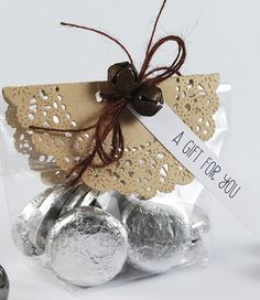 {Simply Creative} : The Pink Petticoat Blog by Liz Armstrong: Christmas Table Favours