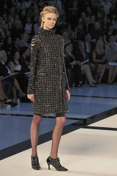 Chanel Fall 2009 Couture Runway - Chanel Haute Couture Collection - ELLE