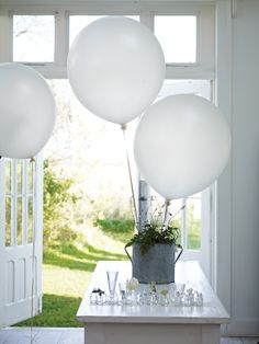 Transform any space with giant balloons