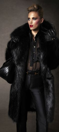 TOM FORD Autumn-Winter 2011-2012 Womenswear Collection (32)