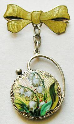 Vintage Guilloche enameled brooch • redrobinantiques.com