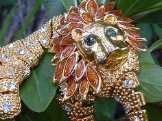 Articulate Lion Gold Brooch Rhinestone & Glass Emerald Eyes Vintage Shoulder Pin