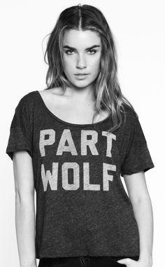 Part wolf scoopneck tee