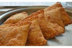 Πουγκιά μυρωδάτα, σαρακοστιανά | Κουζίνα | Bostanistas.gr : Ιστορίες για να τρεφόμαστε διαφορετικά skopelitika pitakia, greek sweet, greek appetız, νηστίσιμα γλυκά